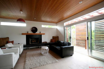 Livingroom, Vaulted ceiling of recycled wood