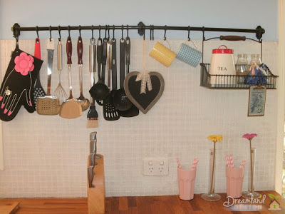 How to Decorate a Country Kitchen