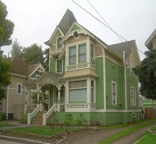 Pic of Victorian House Colors Green - Painting a Victorian House Exterior